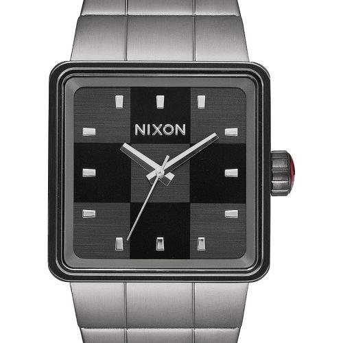 nixon-a013-131-quatro